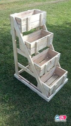 Creative Things to do with Wooden Pallets – Garden Projects Wooden Pallet Projects, Diy Pallet Furniture, Diy Furniture Projects, Outdoor Projects, Garden Projects, Outdoor Furniture Sets, Large Furniture, Pallet Ideas, Garden Ideas