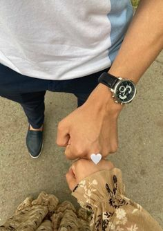 Classy Couple, Cute Love Couple, Best Friends Aesthetic, Couple Aesthetic, Cute Muslim Couples, Cute Couples Goals, Muslim Couple Photography, Girl Photography, Cool Girl Pictures