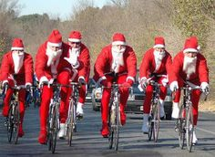 Santas on bikes!? Unemployment among reindeer just went up.  www.discoverfrance.com