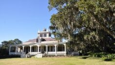 Rip Van Winkle Gardens = Best ever house tour! - Our Traveling Tribe Lafayette Louisiana, Rip Van Winkle, Beautiful Places To Visit, Old Houses, House Tours, New Orleans, Gardens, Homes, Mansions
