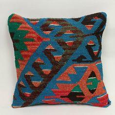 The best kilim pillows for your boho homes. Check out for more on my Etsy shop!😍 . . #rug #handmaderugs #turkishrug #vintagerug #kilim #interiordesigners #oushakrug #bohemiandecor #interiordecor#cappadocia#vintagestyle#interior4all#luxuryhomes#homedecor #carpet #runnerrug#etsy #etsyseller #thedailyinterior#interior123 #mywestelm#handwoven#kitchendecor #homedesign#antiquerug#interiordesign #christmassale#xmasdecor#bohostyle#vintagestyle#kilimpillows - posted by MY TURKISH PILLOW…