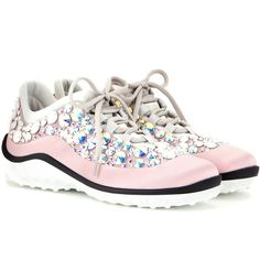 Miu Miu Astro Running Embellished Sneakers (22.465 ARS) ❤ liked on Polyvore featuring shoes, sneakers, flats, pink, embellished flats, pink shoes, flat pumps, flat shoes and embellished shoes