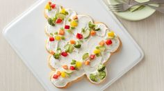 Veggie trays, move over! This colorful tree-shaped appetizer will add an interesting twist to your appetizer buffet.