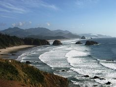 * 11 Incredible Experiences on the Oregon Coast . this is so on my husband's bucket list . a multi-week vacation traveling PCH along the coast . gotta love it one day![as a 'born & bred' Oregonian. Oregon Vacation, Oregon Road Trip, Oregon Travel, Vacation Trips, Vacation Spots, Travel Usa, Oh The Places You'll Go, Places To Travel, Places To Visit