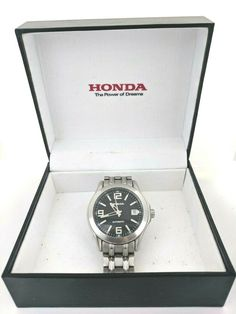Defects: There is a small scratch on the glass. Wrist Watches, Vintage Men, Honda, 21st, Japan, Jewels, The Originals, Best Deals, Water