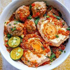 Do you wish that you could find healthy diet plans that would guide you in the right direction? Spicy Recipes, Indian Food Recipes, Asian Recipes, Healthy Recipes, Extreme Food, Snap Food, Food Platters, Best Dinner Recipes, Indonesian Food