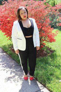 Tux & Bad Hair. Black and white tux look. Pop of red shoes. Zara ankle strap heels. Plus size fashion blogger. Curvy fashion. Black and white outfit