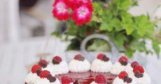 Momentálne sa blog nachádza v trochu prázdninovom móde ,to ste si asi všimli :) Popri práci sa snažím čo najviac si užívať slniečka a mo... Raspberry, Fruit, Blog, Dulce De Leche, Sweets, Blogging, Raspberries