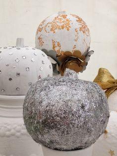 Pumpkin carving ideas and inspiration! Halloween Christmas, Halloween Crafts, Halloween Decorations, Christmas Bulbs, Pumpkin Art, Pumpkin Carving, Glitter Pumpkins, Food Crafts, Holiday Fun