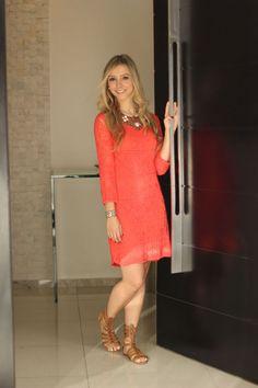 loja-strass-look-vestido-de-tricot-manga-comprida-laranja-sandalia-gladiadora-caramelo