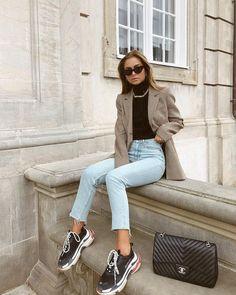 blazer and tshirt outfit Blazer Jeans, Outfit Jeans, Look Blazer, Harem Jeans, Denim Leggings, Women's Jeans, Casual Blazer, Blazer Dress, Sleevless Blazer