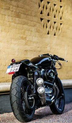 RocketGarage Cafe Racer: XL 1200 Rewheeled - Here, Just take my money Cafe Bike, Cafe Racer Bikes, Cafe Racer Motorcycle, Cafe Racers, Motorcycle Garage, Retro Bikes, Vintage Bikes, Scrambler, Ducati
