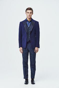 #9 Jacket:TOMORROWLAND PILGRIM/¥89,640 Vest:TOMORROWLAND/¥18,360 Shirt:TOMORROWLAND/¥17,280 Pants:TOMORROWLAND/¥20,520 Scarf:Blech/¥20,520 Shoes:FOOTSTOCK ORIGINALS/¥35,640