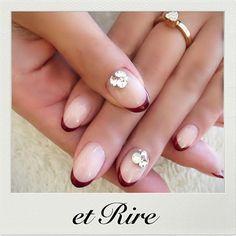 etRire☆elegant bordeaux French ◆ネイルサロンエリール◆ ご予約☎︎03-3470-1184 HP:http://www.etrire.jp #nail#nails#nailart#etrire#makifujiwara#naildesign#nailsalon#manicurist#beauty#christmasnails#frenchnail#elegant#etrirenail#ネイルケア#ジェル#ジェルネイル#ネイル#ネイルデザイン#ネイルアート#エリール#表参道#表参道ネイル#表参道ネイルサロン#エリール#大人ネイル#おしゃれネイル#大人ネイルサロン#エリールネイル#ボルドーフレンチネイル#大人のクリスマスネイル♡
