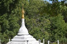World Peace Pagoda Monk Build, Peaceful Places, World Peace, Romanesque, Memories, Park, Monuments, Statues, Travel
