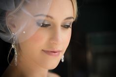 Beautiful wedding make-up | City Chic Wedding | Makeup by FaceMe Makeup | Striking black and white wedding theme | Photography by Amanda Wignell Photography | www.borrowedandblue.kiwi