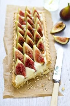 Fig Tart - Need to get more fig recipes to use our figs! Köstliche Desserts, Delicious Desserts, Dessert Recipes, Yummy Food, Dessert Healthy, Plated Desserts, Sweet Pie, Sweet Tarts, Think Food