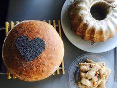 Kváskový chlieb od expertky na kváskovanie - a zvládneš ho aj ty ⋆ Fitlavia Doughnut, Desserts, Food, Basket, Tailgate Desserts, Deserts, Essen, Postres, Meals