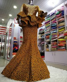 Top Ankara Skirt And Blouse for African Women 2019 Top Ankara Skirt And Blouse for African Women I anticipate we can all accede that the built-in styles this year are absolutely bad-ass. Top Ankara Skirt And Bl African Lace Styles, African Lace Dresses, African Dresses For Women, African Attire, African Skirt, African Wear, African Fashion Ankara, Latest African Fashion Dresses, African Print Fashion