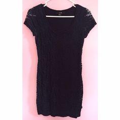 Lace Overlay Body Con Dress Navy blue body con dress with lace overlay. Forever 21 Dresses Mini
