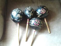 VTG SET OF 4 Native Guatemalan Gourd Maracas HandPainted/Carved Shakers Art Deco