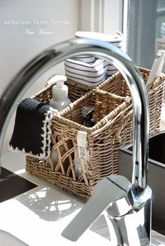 Home organizing with Basket . organizing with basket basket Basket organizer Decor Kitchen Countertops, Kitchen Sink, Kitchen Decor, Kitchen Utensils, Rivera Maison, Faux Granite, Cocinas Kitchen, Paper Basket, Stained Concrete