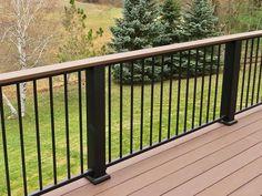 32 DIY Deck Railing Ideas & Designs That Are Sure to Inspire You Top 2019 deck railing ideas for 2019 Deck Balustrade Ideas, Metal Deck Railing, Outdoor Stair Railing, Balcony Railing Design, Balustrades, Railing Ideas, Veranda Railing, Deck Colors, Patio Deck Designs