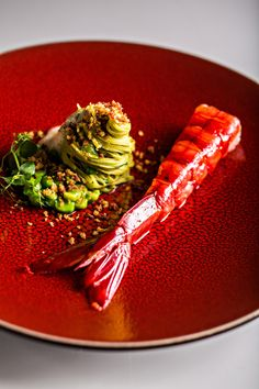 Edamame Pasta and Lobster Tail Gourmet Recipes, Cooking Recipes, Gourmet Desserts, Gourmet Foods, Plated Desserts, Pavlova, Chefs, Molecular Gastronomy, Culinary Arts
