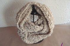 #Cuellos ref. cupla051 en tonos tierra. En #lana mezcla: 60 % acrilica y 30% lana y 10% poliamida. Tejidos a mano en un bonito punto calado formando conchas. Tuyos en www.eltallerdenoa.com #scarf #muffler #Knitting #puntodemedia