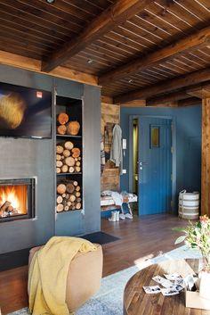 Cabană de munte, cochetă și primitoare – Fabrika de Case    #fireplace #log #rusticdecor