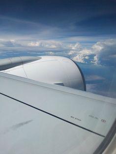Quando prendere un aereo diventa una vera e propria necessità. La voglia di #viaggiare, sempre. Nostalgia delle #nuvole. #aereo