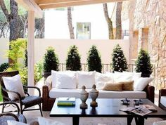 Outdoor Living Area Ideas for each Lawn - Outdoor rooms are curtailed and also extra laid-back versions of what's going on indoors, which may explain why many of us are drawn to that even more relaxing, uncluttered space outside. Outdoor Areas, Outdoor Rooms, Outdoor Living, Outdoor Furniture Sets, Outdoor Decor, Outdoor Kitchens, Sunroom Furniture, Adirondack Furniture, Outdoor Patios