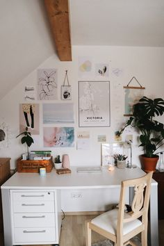 vsco room diy Processed with VSCO with preset VSCO Room Ideas preset Processed vsco Study Room Decor, Cute Room Decor, Room Ideas Bedroom, Diy Bedroom Decor, Home Decor, Bedroom Desk, Bedroom Inspo, Aesthetic Room Decor, Cozy Room