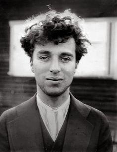 Charlie Chaplin a 27 anni, 1916