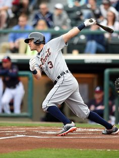 Ian Kinsler swings at a pitch, 03/07/2015