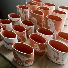 "Polubienia: 1,587, komentarze: 18 – The Australian Ceramics Assoc. (@australianceramics) na Instagramie: ""Creina Moore, QLD | #Repost @creinamoore ・・・ Glazing the flock today before they take flight next…"""