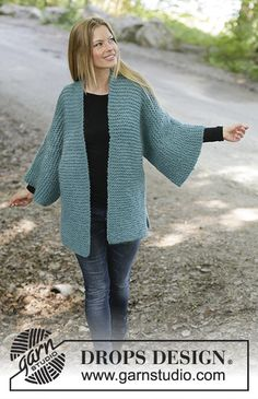 Emerald Isle - Knitted jacket in DROPS Eskimo. The piece is worked in garter stitch with shawl collar, split in sides and kimono sleeves. Sizes S - XXXL. - Free pattern by DROPS Design Easy Knitting, Knitting For Beginners, Knitting Patterns Free, Knit Patterns, Free Pattern, Drops Design, Cardigan Pattern, Jacket Pattern, Gilet Kimono