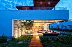 Casa Seta, Lima, Peru   A project by: Martin Dulanto    Architecture