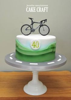 Bike birthday cake - For all your cake decorating supplies, please visit craftcompany.co.uk