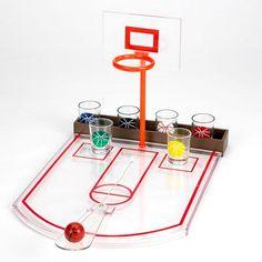 Basketball Shots. Basketball Shots. Divertido juego de beber. Incluye: Tablero, pelota, y 6 shots. Convierte tu fiesta en un partido de basket, donde deberas intentar meter todos tus tiros para hacer beber a tus contrincantes.