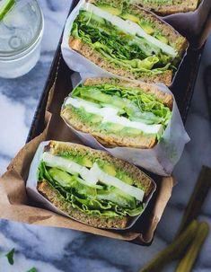 Best Vegetarian Sandwich Recipes – Filling Vegetable Meals Vegetarian Sandwich Recipe Green Goddess Sandwich / Vegan Sandwich / Healthy Sandwich Vegetarian QuesadillasGrilled vegetarian ravioli out of the ovenVegetarian pan Stuffed mussels – # stuffed Best Vegetarian Sandwiches, Healthy Sandwiches, Sandwiches For Lunch, Delicious Sandwiches, Veggie Sandwich, Veggie Wraps, Sandwich Ideas, Pesto Sandwich, Sandwich Appetizers