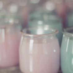➸ Ce matin, c'était bougies pour les cadeaux d'invités. Ne reste plus qu'à rajouter un peu de paillettes dorées et les étiquettes ➸