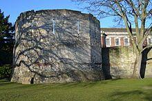 Remparts d'York, d'époque romane: la Multangular Tower.- SIGEBERT III. 1)BIOGRAPHIE, 13: Durant la nuit ses serviteurs transportérent l'enfant à BOULOGNE, puis naviguèrent jusqu'à YORK. Ils remirent Dagobert aux mains du saint évêque WILFRID pour qu'il ne place dans un monastère. Exilé en IRLANDE, celui-ci devint roi d'Austrasie de 676 à 679.