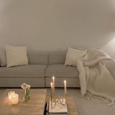Aesthetic Room Decor, Apartment Interior, Vintage Apartment, Dream Decor, Home Decor Accessories, Cheap Home Decor, Home Decor Inspiration, Decor Ideas, Home Interior Design