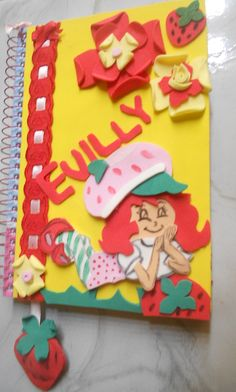 caderno decorado em eva MORANGUINHO!