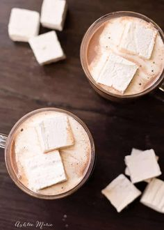 the best hot chocolate recipe you'll ever try, it's great hot, iced or frozen (Best Chocolate Shake) Best Hot Chocolate Recipes, Homemade Hot Chocolate, Chocolate Shake, I Love Chocolate, Chocolate Party, Yummy Drinks, Yummy Food, Tasty, Fun Drinks