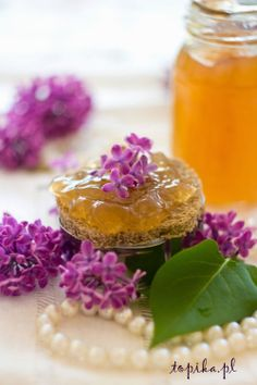 Jelly with lilac flowers lilac - Topik Lilac Flowers, Superfood, Preserves, Jelly, Food And Drink, Honey, Jar, Dishes, Canning