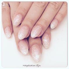 Nails # Glitter # Baby Boom - Beauty Tips & Tricks Finger, Baby Boomer, Wedding Nails, Glitter Nails, Cute Nails, Make Up, Nail Designs, Nail Art, Blog