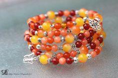 Bracelet mémo orange en perles de jade, cornaline et argent tibétain : Bracelet par lilyperles