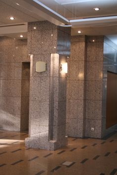 vertical+stalpi granit ,detalii de montaj
